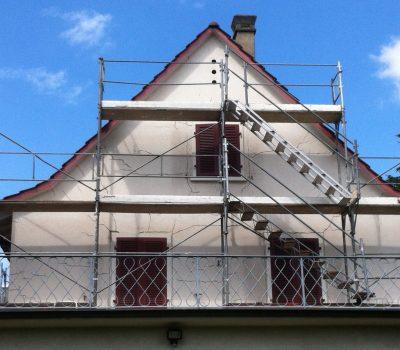 Sanierung: Risse im Mauerwerk der Fassade inkl. Malerarbeiten